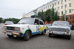 От главного корпуса ВятГУ был дан старт автопробегу до Крыма