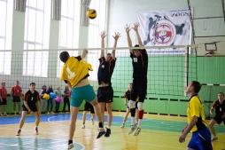 Руководство вуза встретилось с энергетиками региона на спортивной площадке