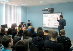 Студентам ВятГУ рассказали, как стать успешными на примере сказки «Буратино»
