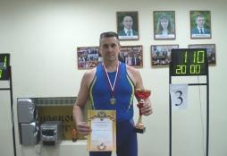 Преподаватель ВятГУ поднял гирю 2 588 раз, став абсолютным Чемпионом