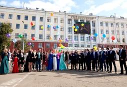 Золотой медалист Лицея ВятГУ: «За 2 года мы получили гораздо больше знаний, чем дают в школах»