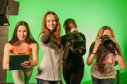 Мечтаешь работать на ТВ? Телекомпания СТС «9 канал» приглашает в свою команду!