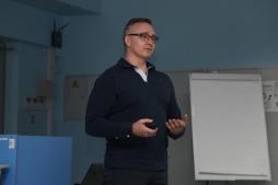 Игорь Дубинников:  «Я учу людей работать и мотивирую их к осознанному выбору»