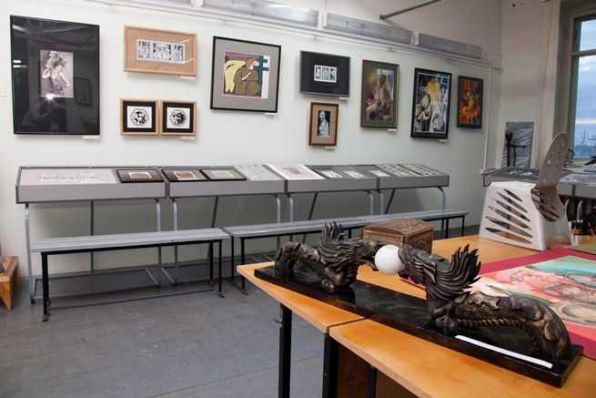 Открылась выставка работ студентов